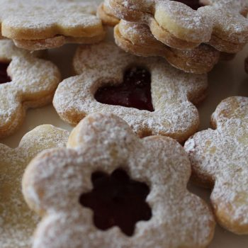 hand-iced-biscuits-3
